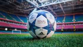 Balón oficial de Cardiff.