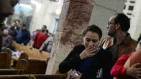 La gente reacciona al atentado sufrido en la iglesia copta de Tanta.