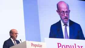 El presidente del Banco Popular, Emilio Saracho, se dirige a los accionistas en la junta.