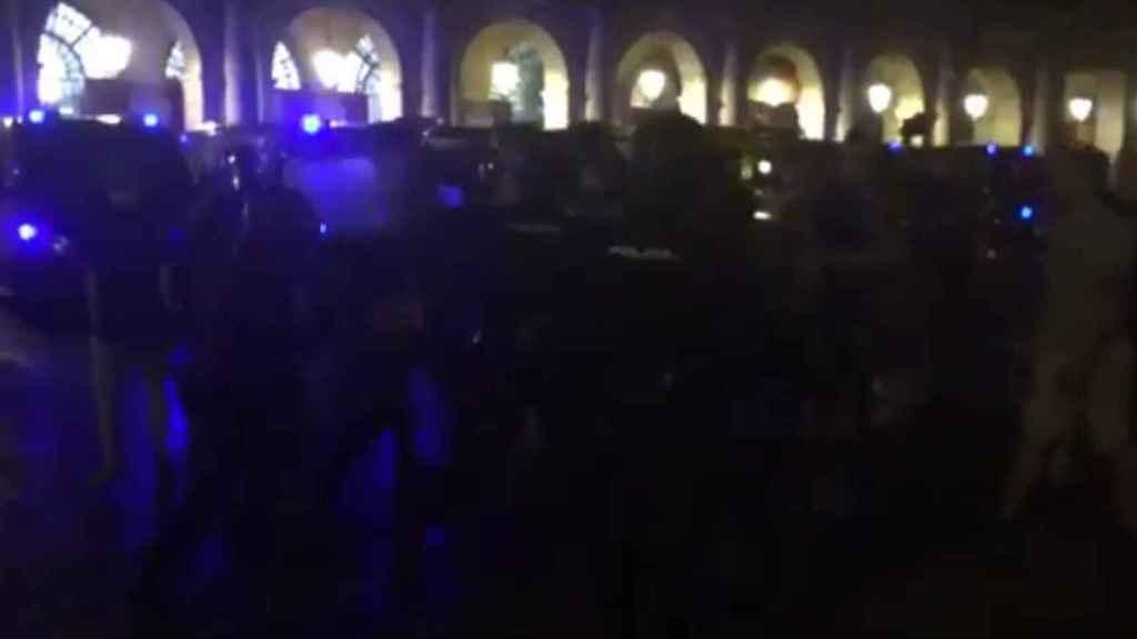 Seguidores del Leicester en los altercados del martes en la Plaza Mayor.