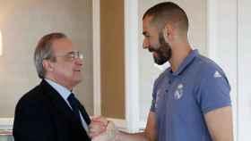Saludo de Benzema y Florentino