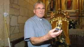 Don Adolfo era un santo para sus feligreses. Custodiaba la Virgen de Cristal desde hacía 50 años.