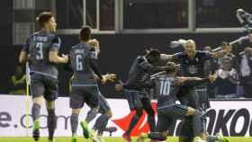 Los jugadores del Celta celebran un gol.