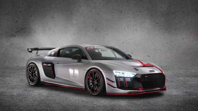 Audi también apuesta por los GT4 con su R8