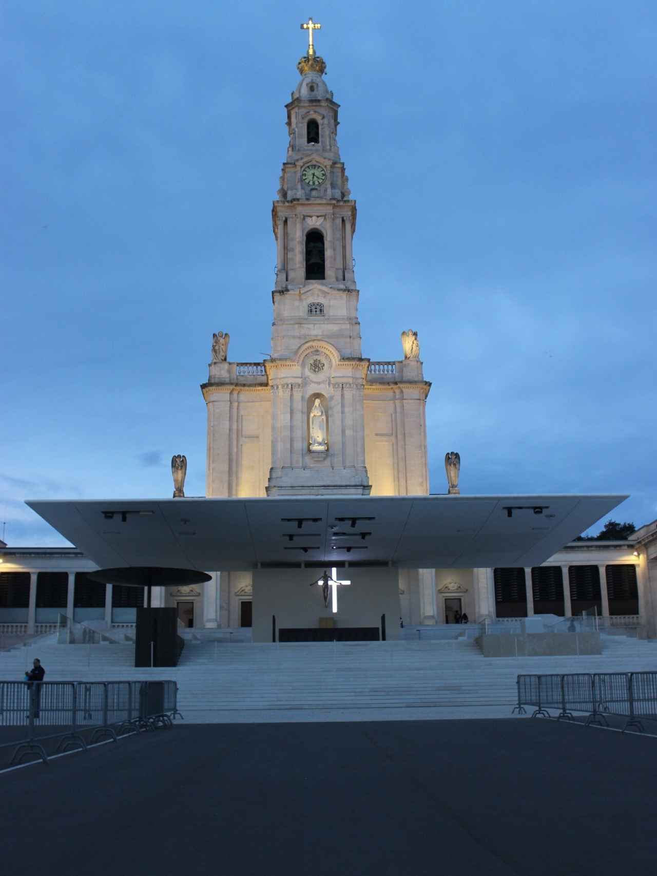 El altar desde el que el Papa Francisco I se dirigirá a los fieles en mayo ya está preparado