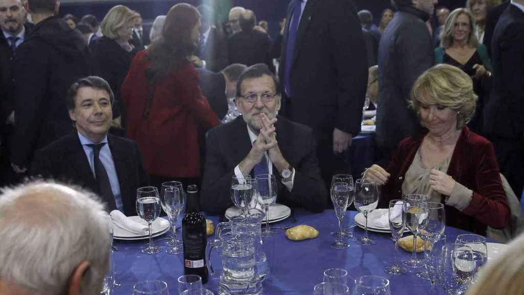 Mariano Rajoy, entre Ignacio González y Esperanza Aguirre, en una imagen de archivo.