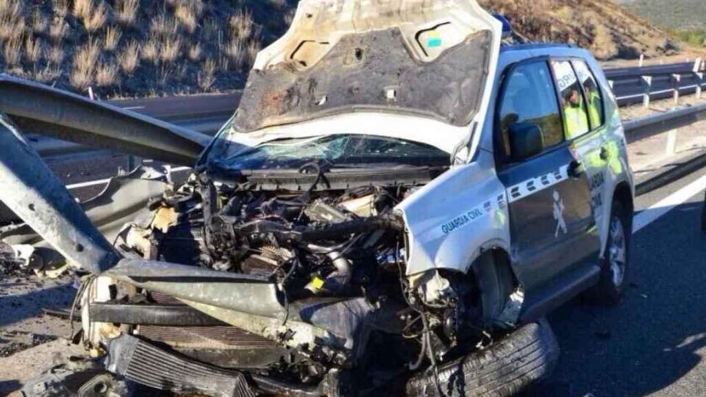Estado en el que quedó el coche de la Guardia Civil embestido el pasado 11 de marzo en San Roque.