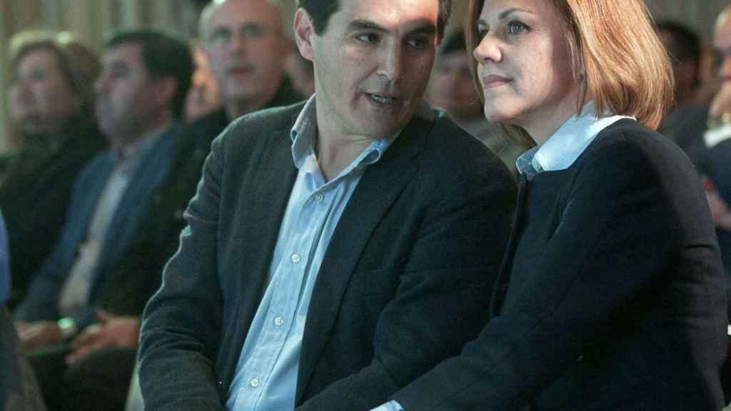El secretario de Estado, José Antonio Nieto, con la ministra de Defensa, María Dolores de Cospedal.