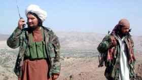 Dos talibanes en una foto de archivo