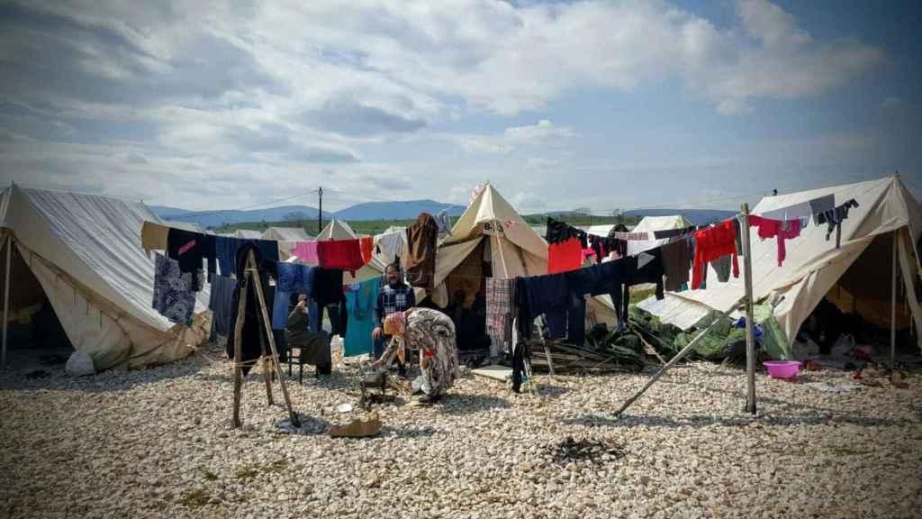Campamento de Katsikas, durante las primeras semanas de ocupación.