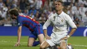 Cristiano Ronaldo lamenta una ocasión errada ante el Barcelona.