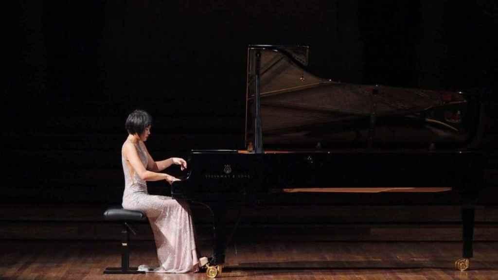 La pianista china Yuja Wang paró un concierto por el ruido.