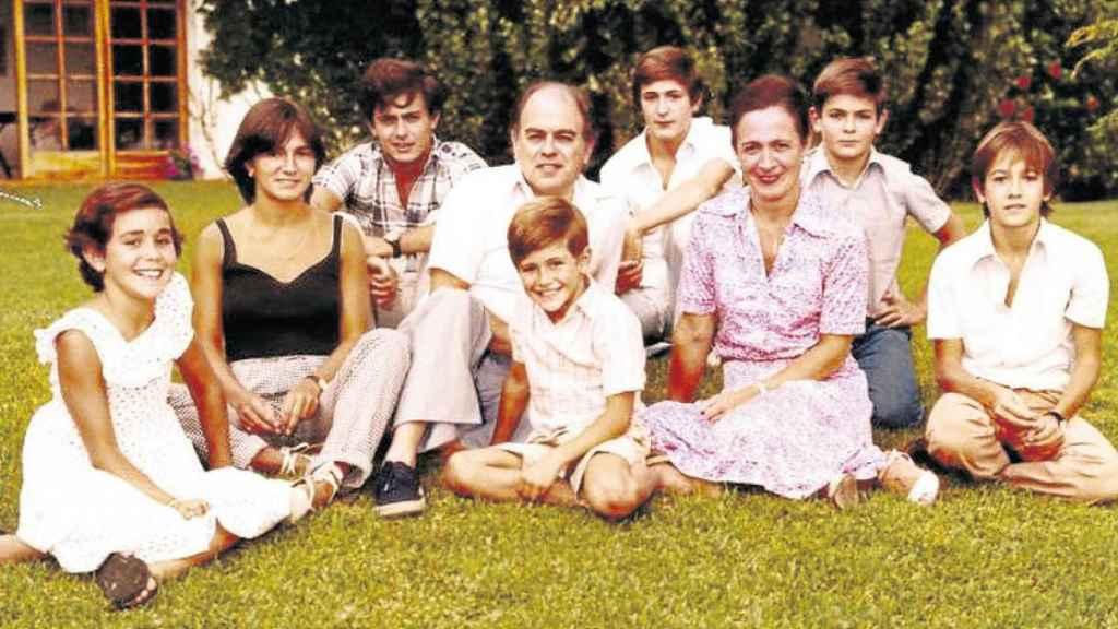 Los siete miembros de la familia Pujol.
