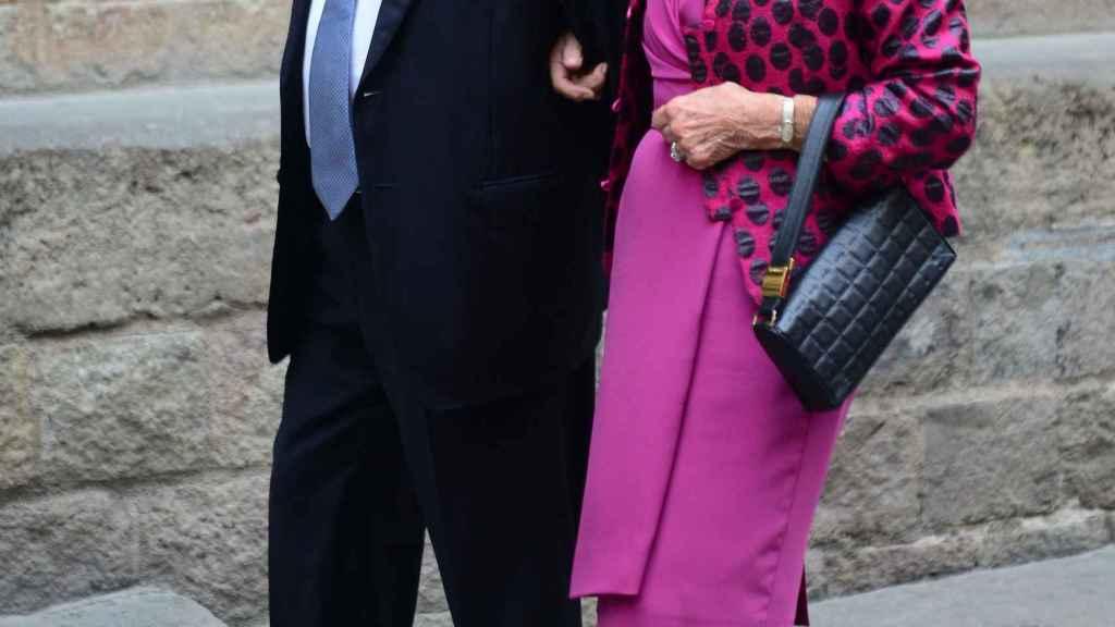 Marta Ferrusola y Jordi Pujol asisten a la boda de Anna Brufau y Pablo Lara, 2013.