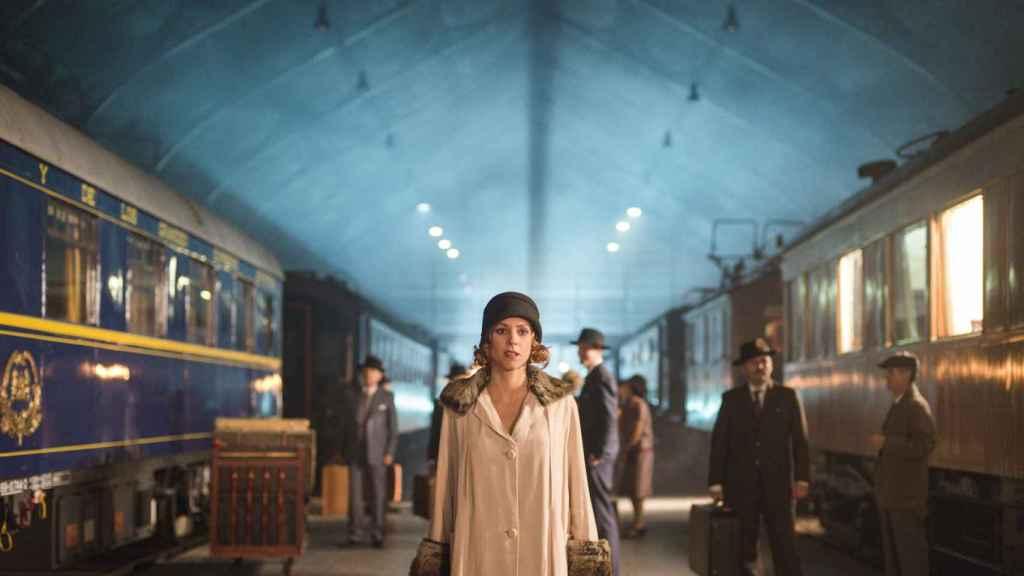 Ángeles (Maggie Civantos) en una de las escenas de la serie. | Imagen: Manuel Fernandez-Valdés, Netflix.