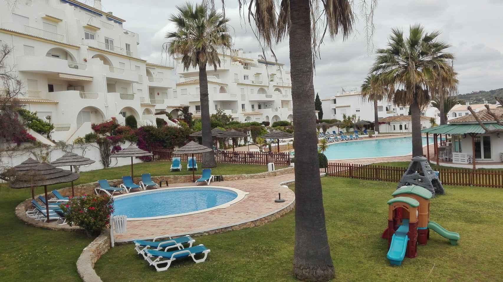 La piscina del complejo Ocean Club donde estaban alojados los McCann en mayo de 2007.