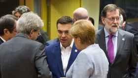 Rajoy, Gentiloni, Merkel y Tsipras durante la cumbre del 'brexit'