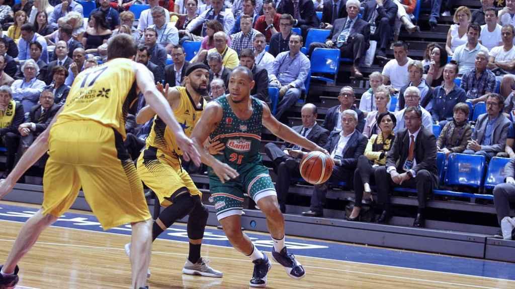 Un momento del partido entre Iberostar Tenerife y Banvit.