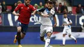 Un momento del partido entre Osasuna y Deportivo.
