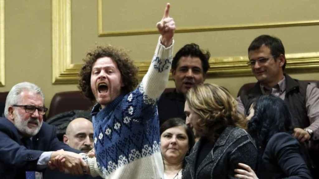 Integrantes de la PAH expulsados del Congreso, en 2013, Ada Colau entre ellos.