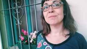 Carolina León, autora de Trincheras permanentes, publicado por Pepitas de calabaza.