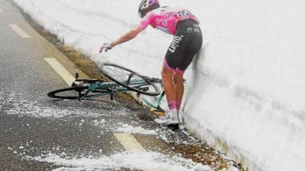 Steven Kruijswijk, tras sufrir una caída en el Giro 2016.