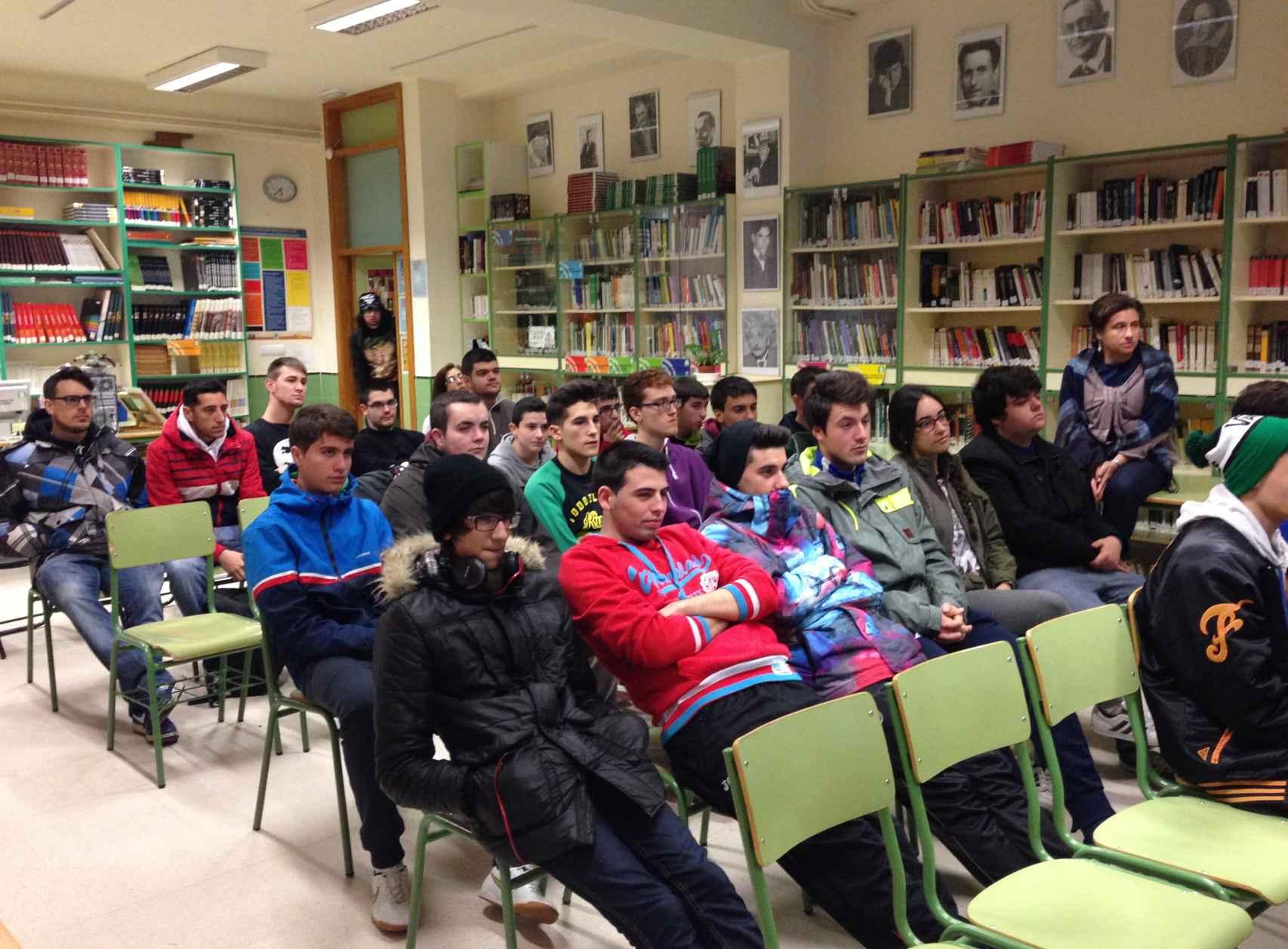 Alumnos del Instituto de Educación Secundaria Aricel en Albolote (Granada).