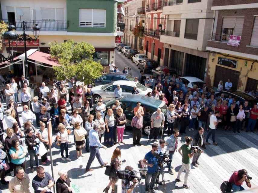 Vecinos de Archena protestan por el asesinato de Juan Carlos.