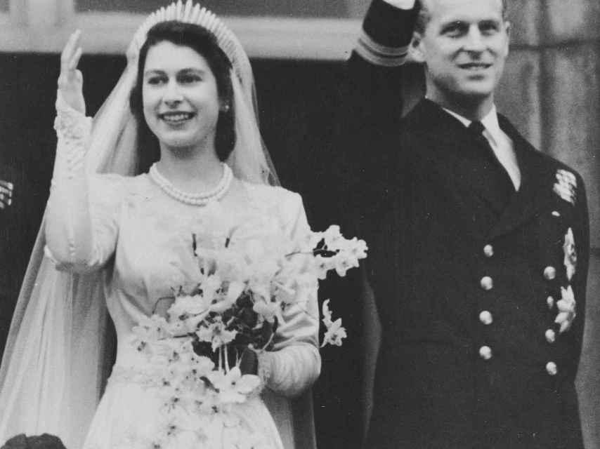 Isabel II y Felipe de Edimburgo, el día de su boda.