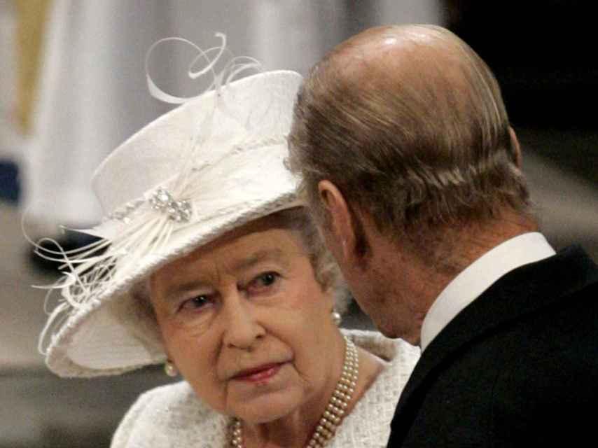 Felipe es una de las pocas personas que le dice a la reina también lo que no quiere oír.
