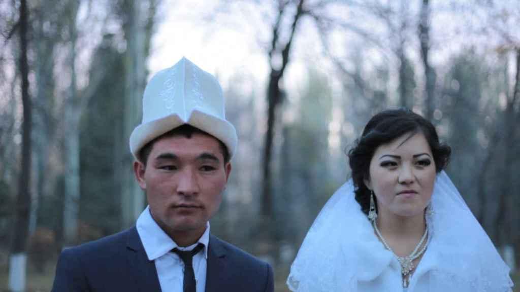 Matrimonio de una pareja en la que la mujer fue secuestrada.