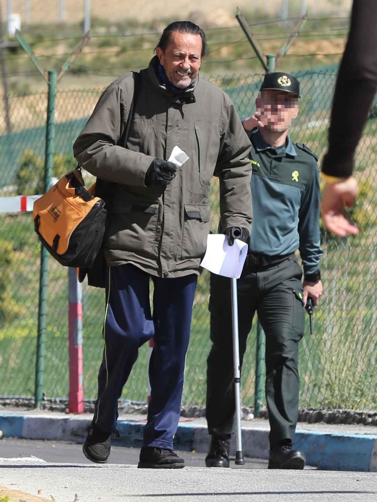 Julián Muñoz a su salida de la cárcel.