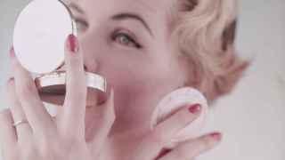 Básicos de neceser, las BB Creams son un gran aliado de belleza y cosmética durante el verano. | Foto: Getty Images.