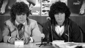 Jorge Cyterszpiler, primer representante de Maradona, junto a Diego.