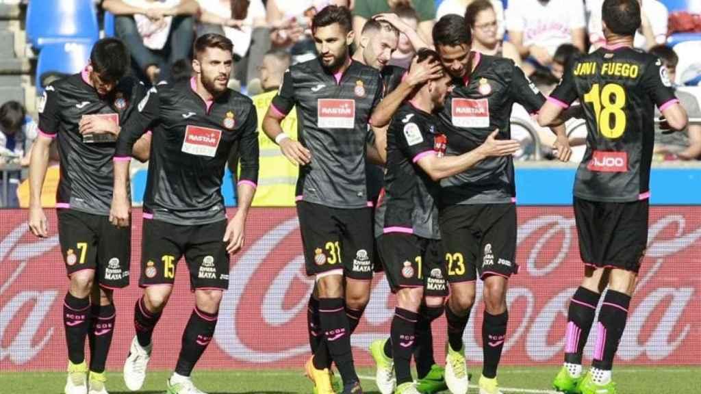 Los jugadores del Espanyol celebran un gol contra el Deportivo.