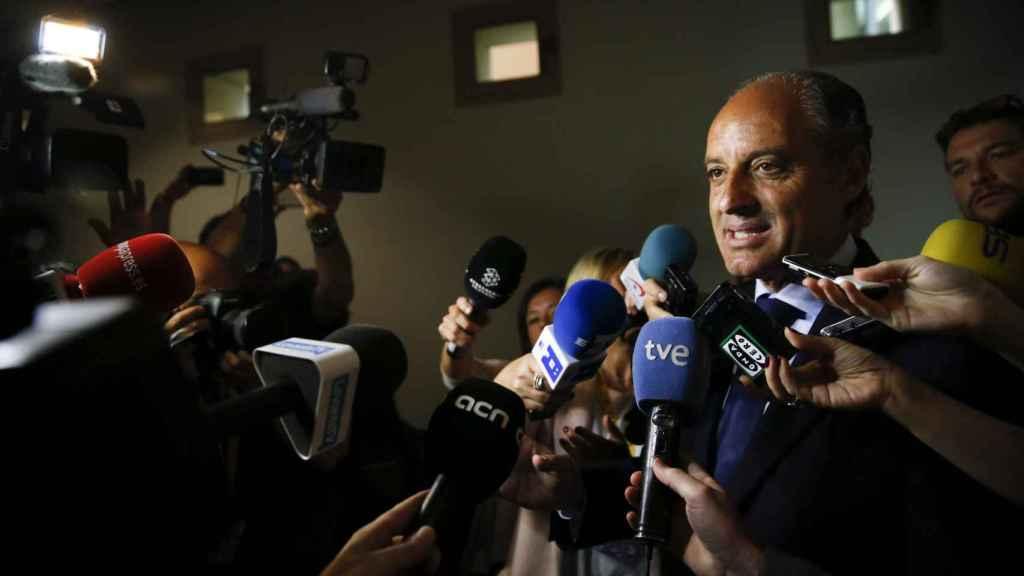 Camps comparece en la comisión de investigación de Les Corts Valencianes. EFE/ Kai Forsterling