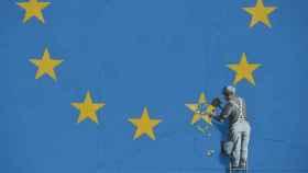 Así es el mural de Banksy contra el 'brexit'.