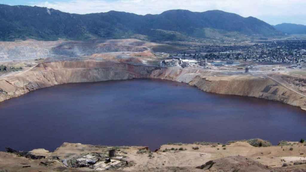 El lago de la mina de Berkeley, en Montana (EEUU).