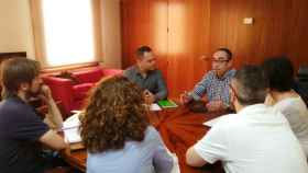 Paco de la Rosa y David Llorente durante la reunión