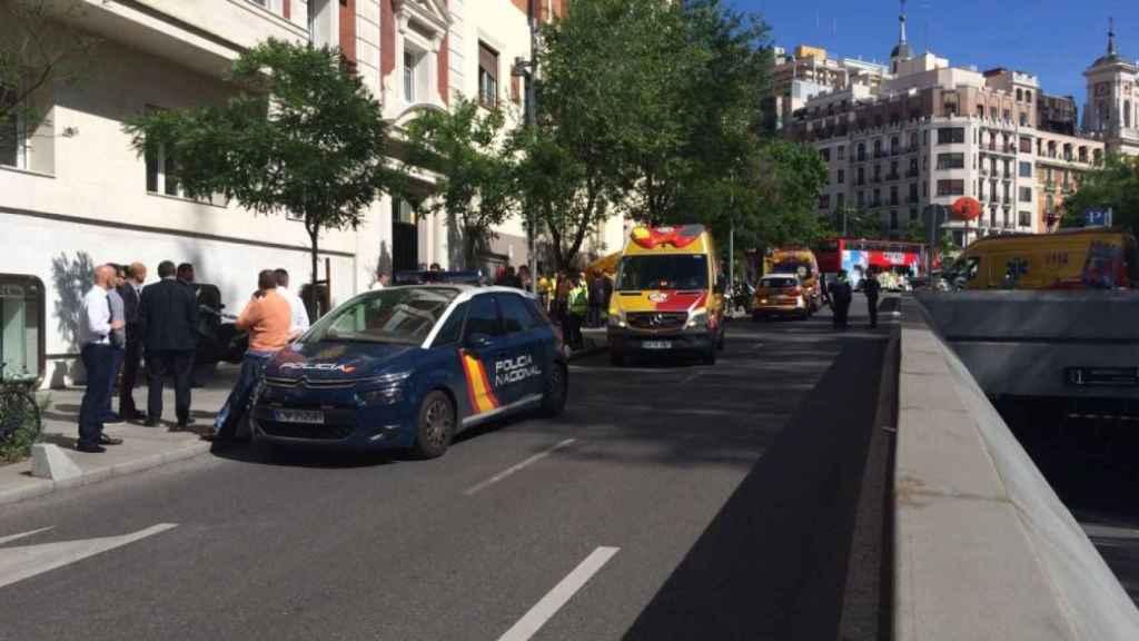 Mueren dos jóvenes de 17 años en Madrid tras desprenderse el suelo del ascensor y caer al vacío