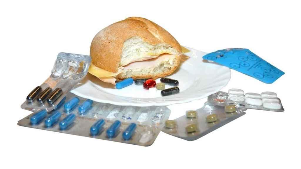 Pastilla, pastilla, pastilla, bocadillo de jamón y queso. Todo gluten.