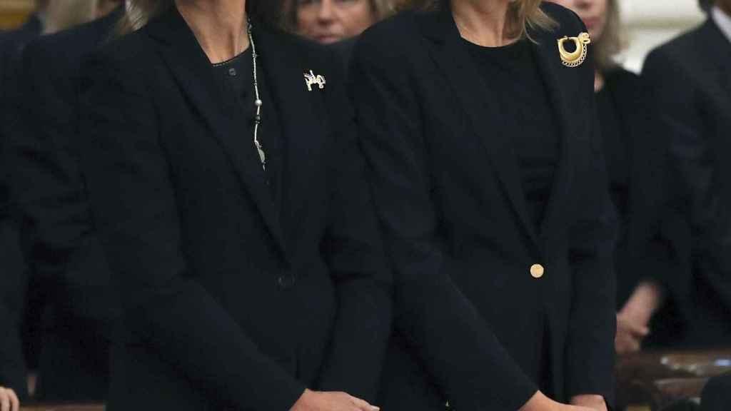 Los reyes, los eméritos y las infantas Elena y Cristina, juntos en el funeral de Alicia de Borbón