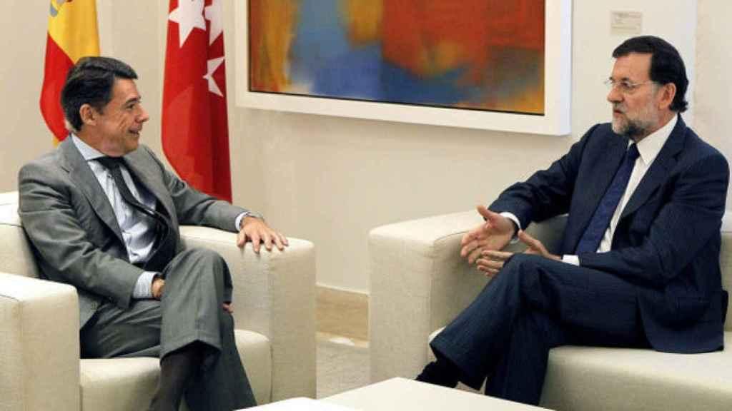 El presidente del Gobierno, Mariano Rajoy, junto a Ignacio González.