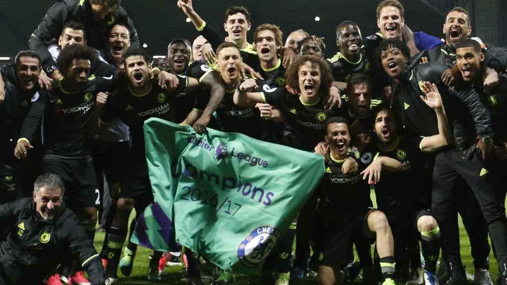 El Chelsea celebra el título de Premier League.