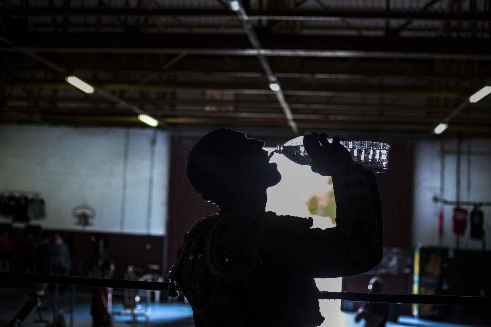 Un descando entre muletazo y muletazo en el ring de El Bigotes.