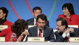 El ex presidente madrileño, Ignacio González, junto a Mariano Rajoy y Ana Botella.