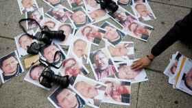 Fotos de periodistas asesinados durante una protesta este martes