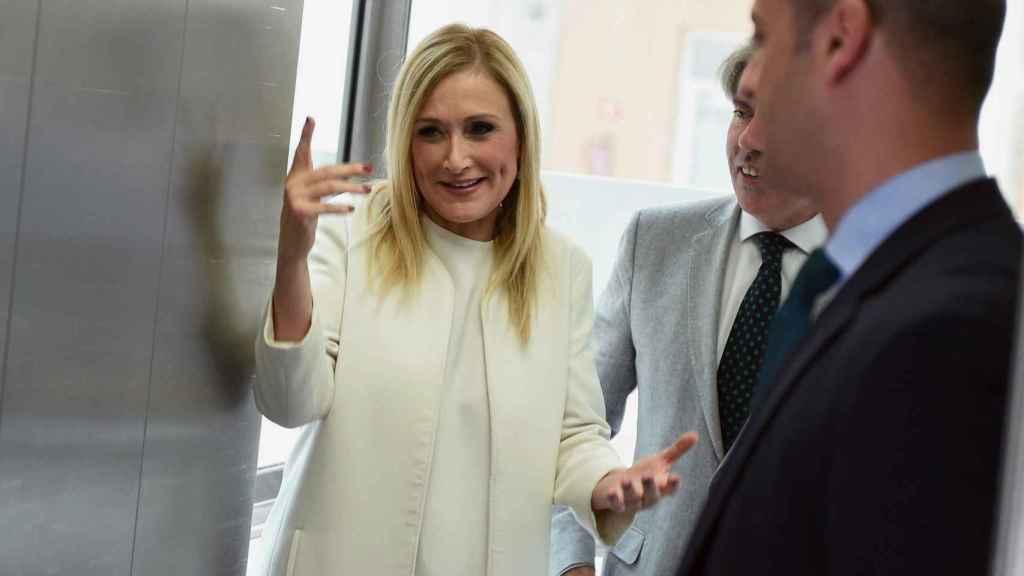 Cristina Cifuentes a su llegada a una reunión con los alcaldes de la Comunidad de Madrid