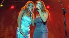 El grupo Azúcar Moreno en concierto.
