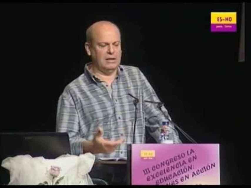 José Ramón Llorente. Le recomendó a un joven, Mario, que dejase de tratarse el cáncer. Va a ser juzgado por ello.